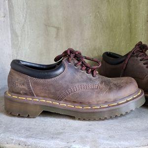 Dr. Martens Unisex  8053 brown shoes women 7 men 6